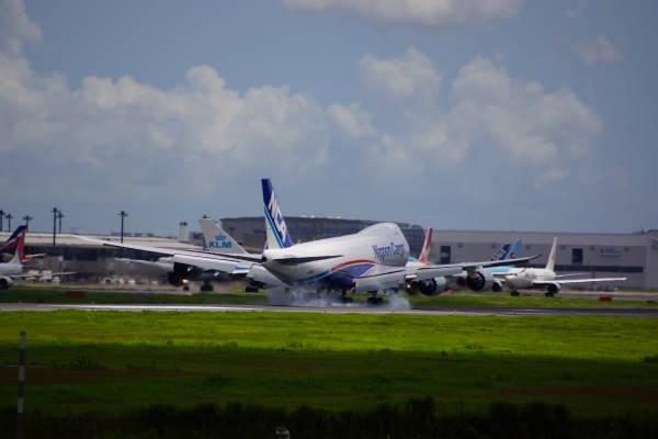 003  747-8F.JPG