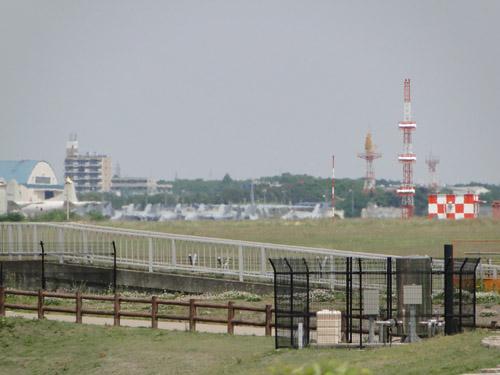 003 atsugi_base.jpg