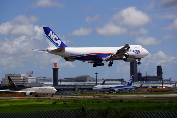 002  747-8F.JPG