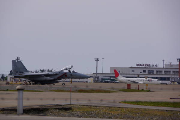 003 komatsu F15.JPG